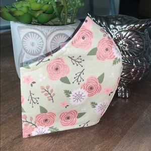 Accessories - Pink Flowers Print Face Mask